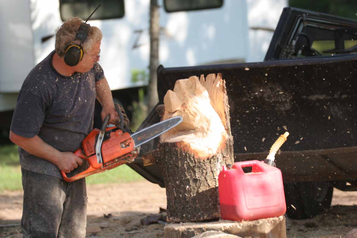 Dave Watson Carving a Bear with a Chainsaw